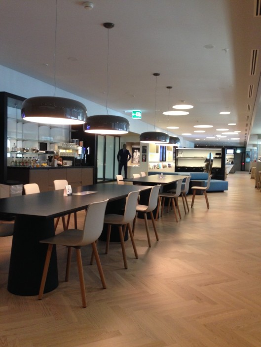 Zurich One World lounge - almost empty on Saturday 16th August lunchtime