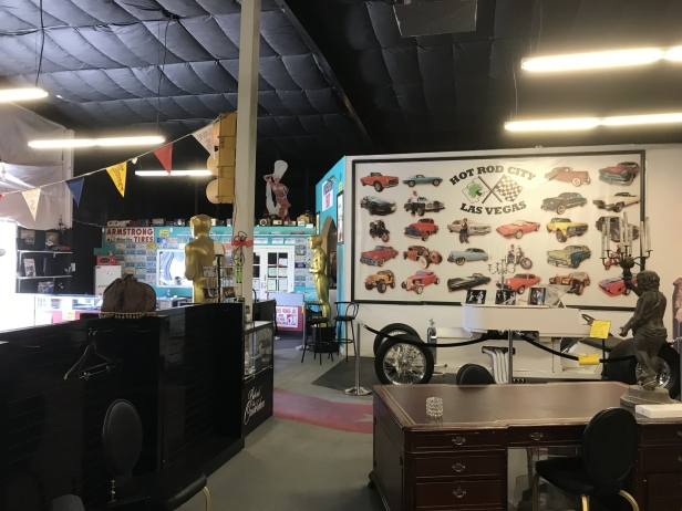 Hollywood Car Museum - Inside